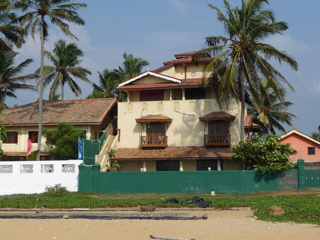 Varnia's Beach Villa