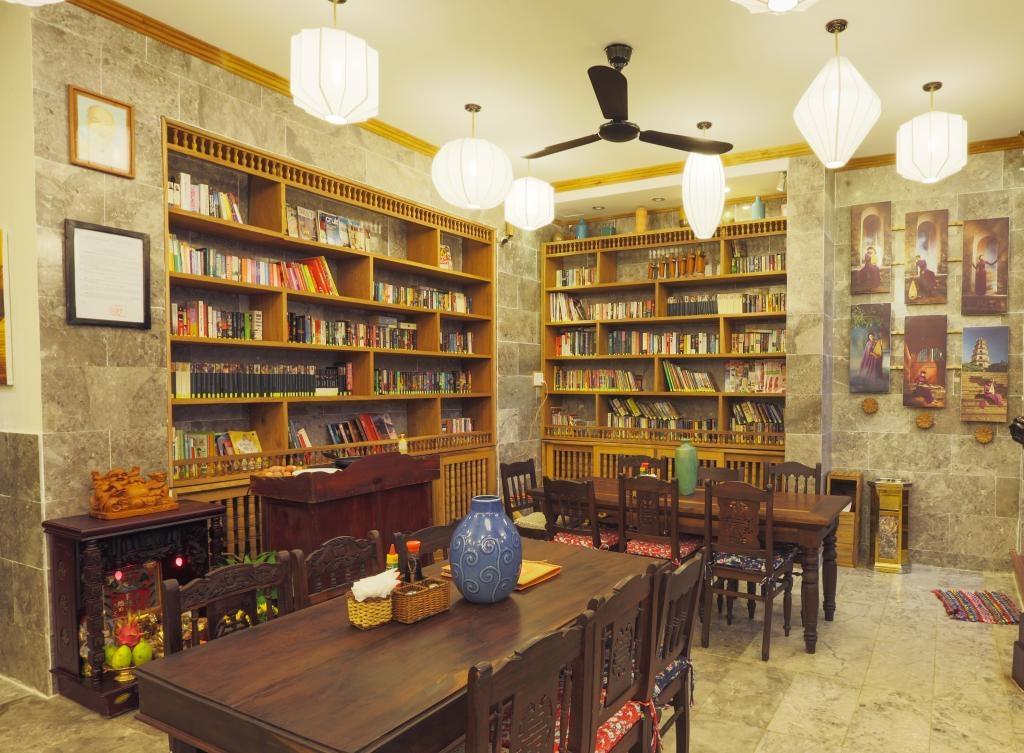 Vinh Hung Library Hotel