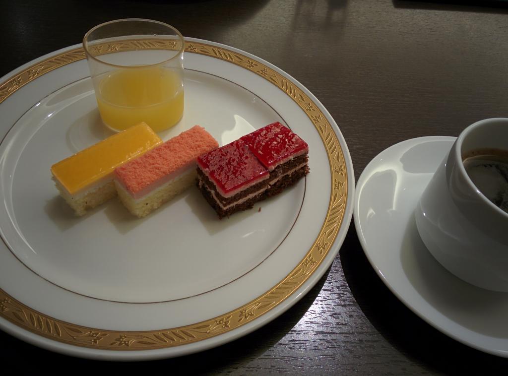 厚木伦勃朗酒店