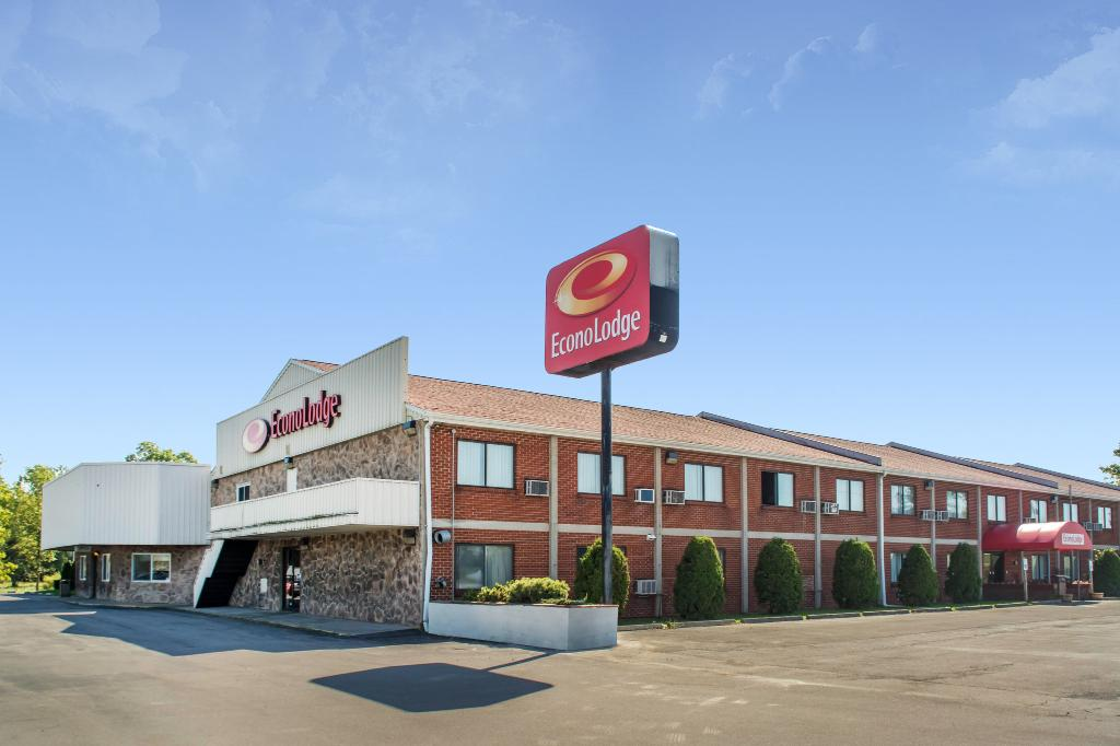 Econo Lodge Darien Lakes