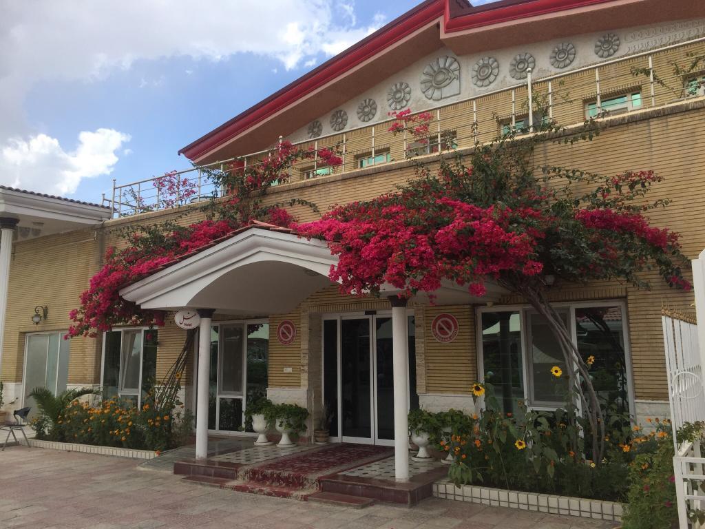 Dezful Tourism Hotel