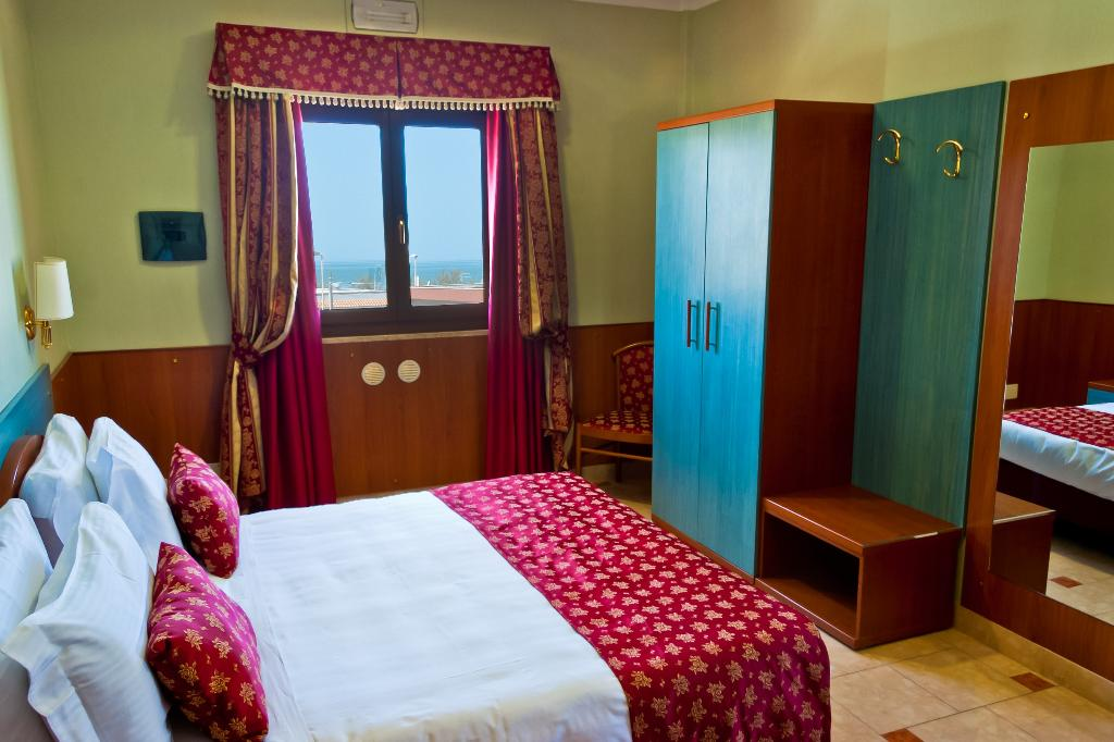 貝斯特韋斯特里維埃拉酒店