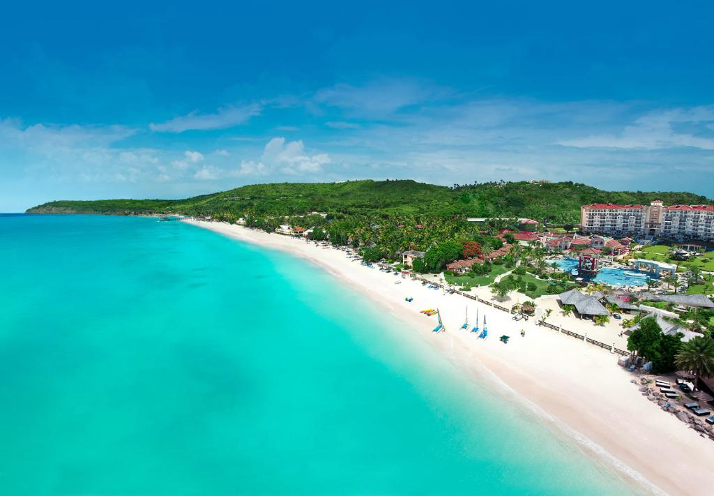 ‪Sandals Grande Antigua Resort & Spa‬