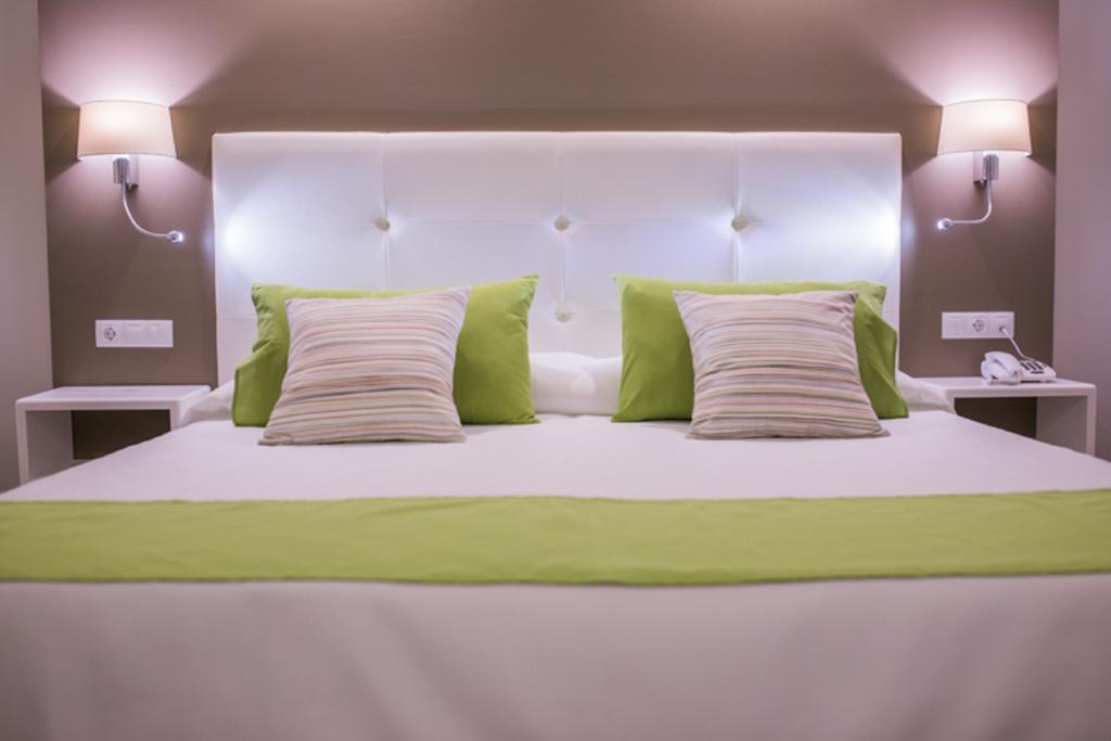RF 聖波隆頓飯店