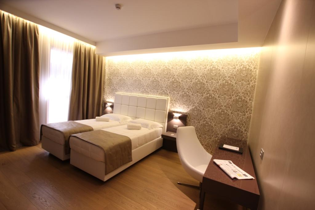 โรงแรมบาวิเอร่า โมคินบา