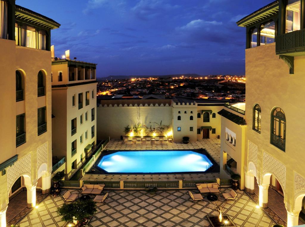 法拉傑宮套房飯店