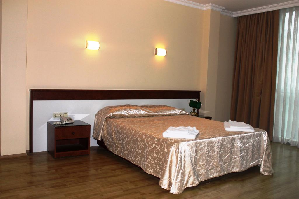 Ata Hotel