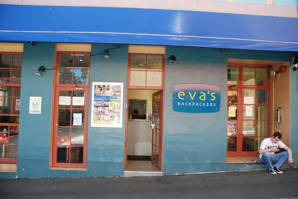 Eva's Backpackers