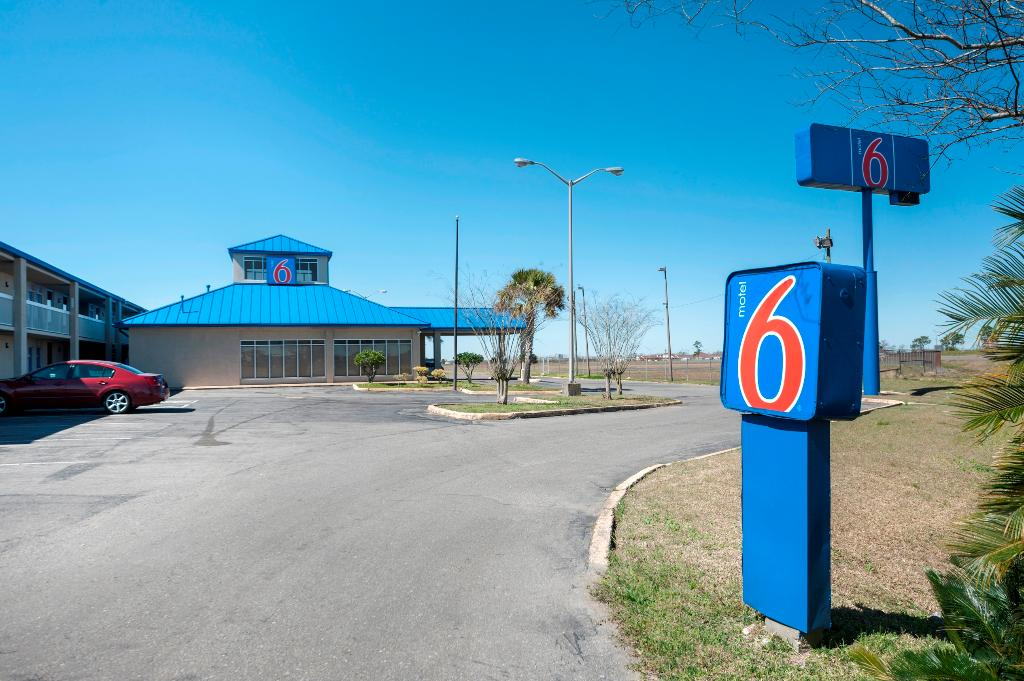 Motel 6 Jennings