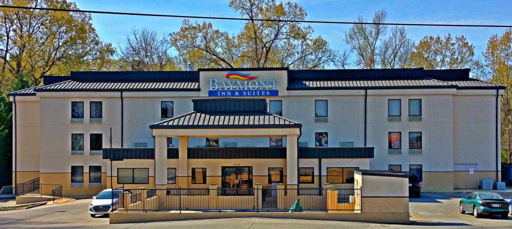 Baymont Inn and Suites Rome