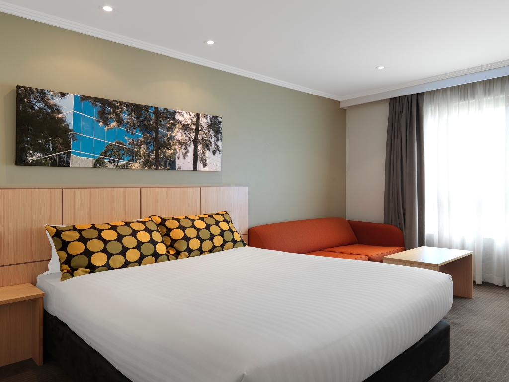 Travelodge Bankstown Hotel