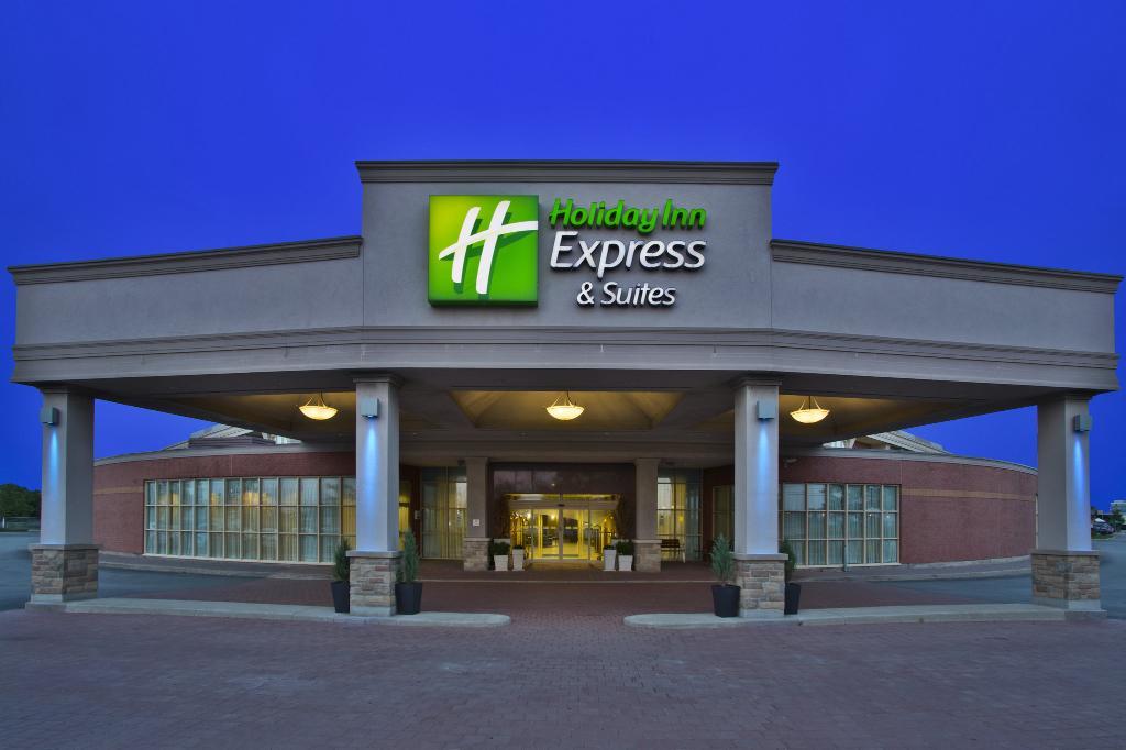Holiday Inn Express Hotel & Suites Toronto - Mississauga