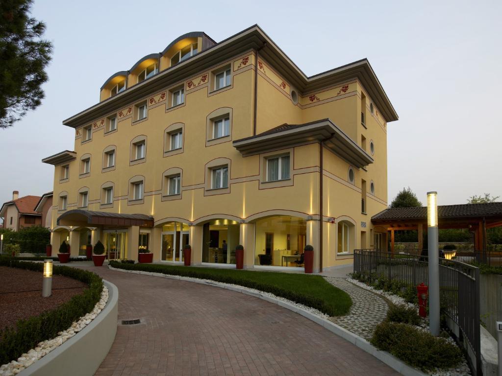 維吉尼亞皇宮酒店