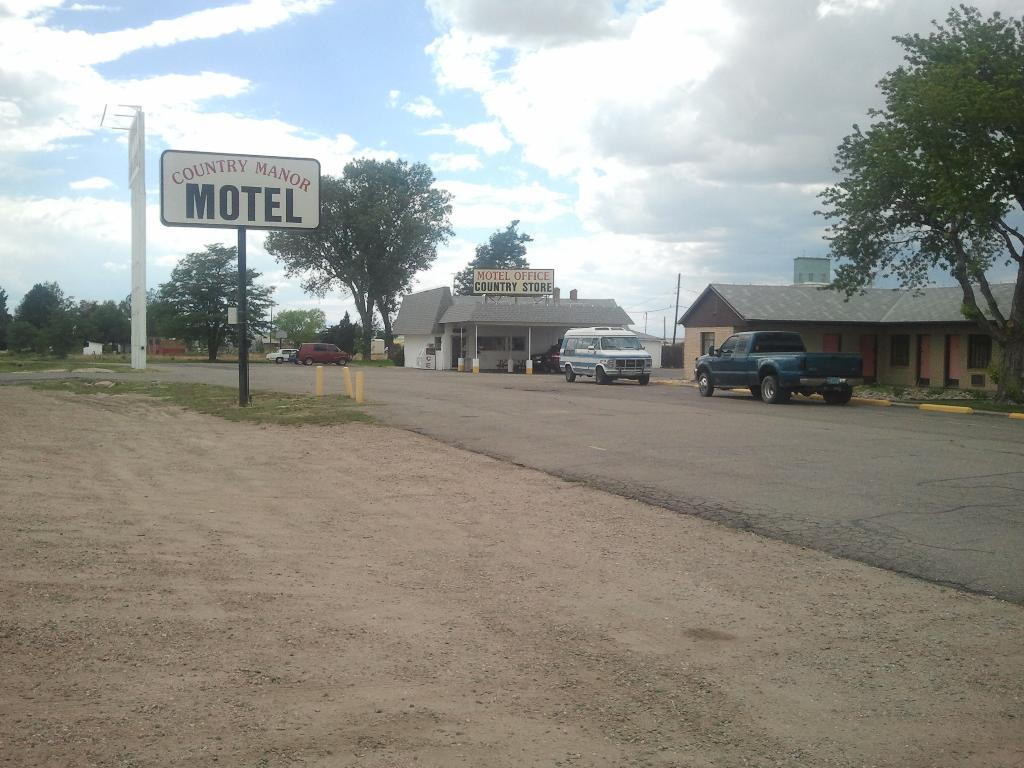 Country Manor Motel