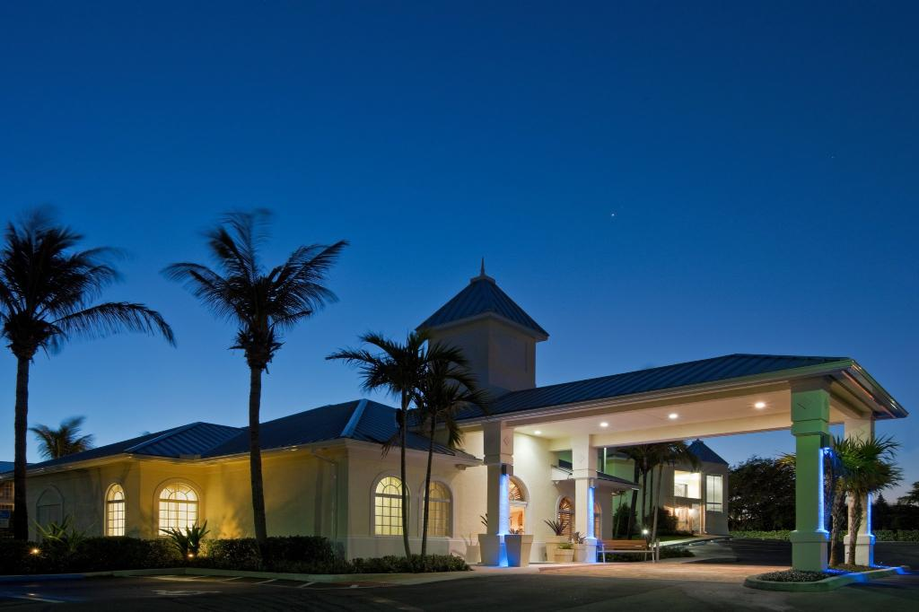 北棕櫚灘海景智選假日飯店