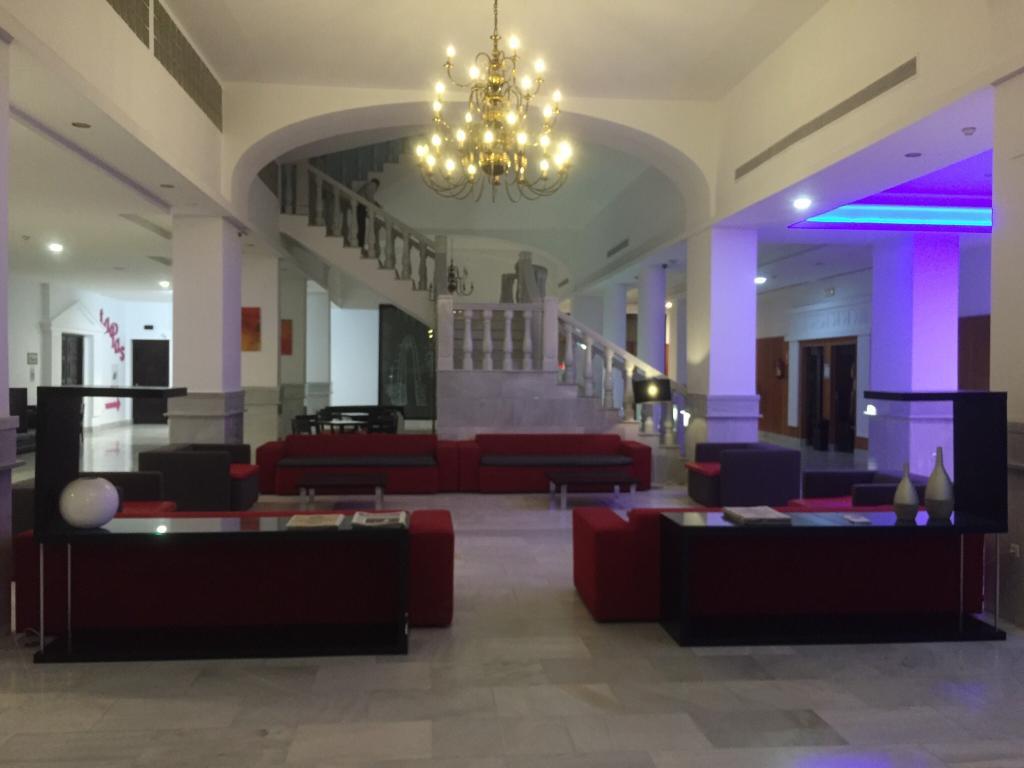 梅利利亞普托特里酒店
