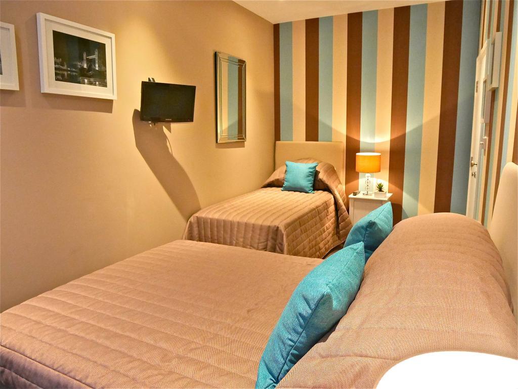 라브나 고라 호텔