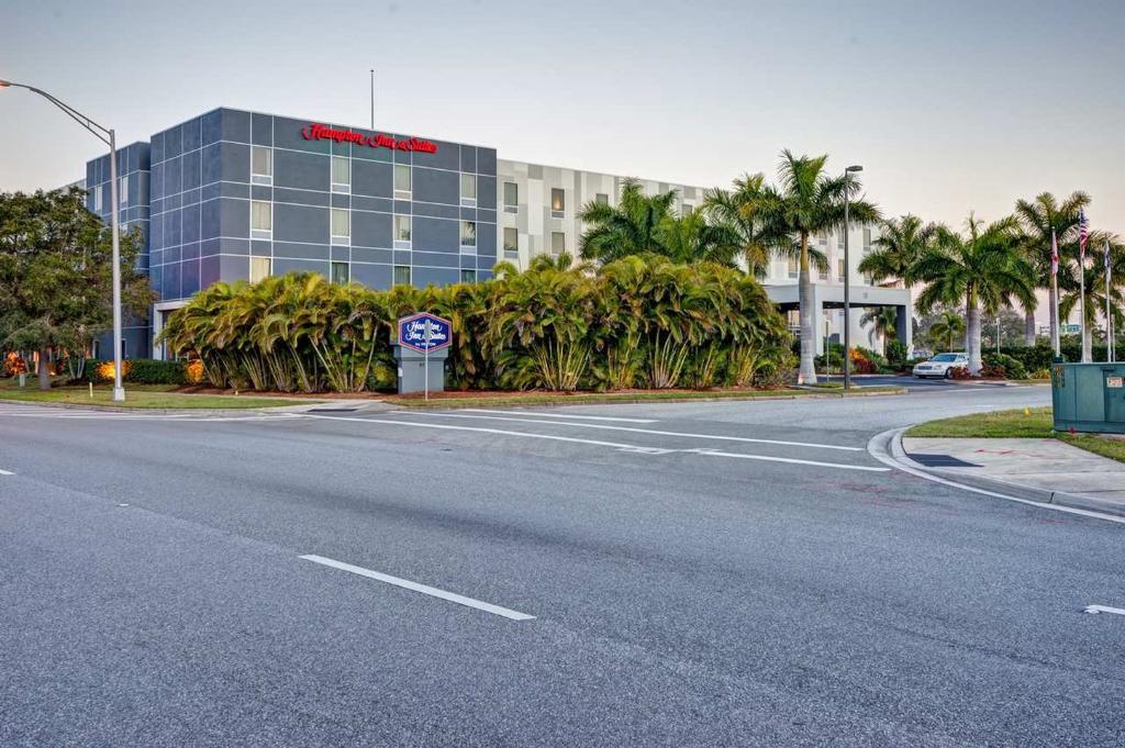 Hampton Inn & Suites Sarasota-Bradenton Airport