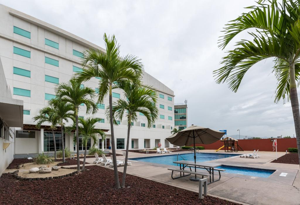 Holiday Inn Express Manzanillo