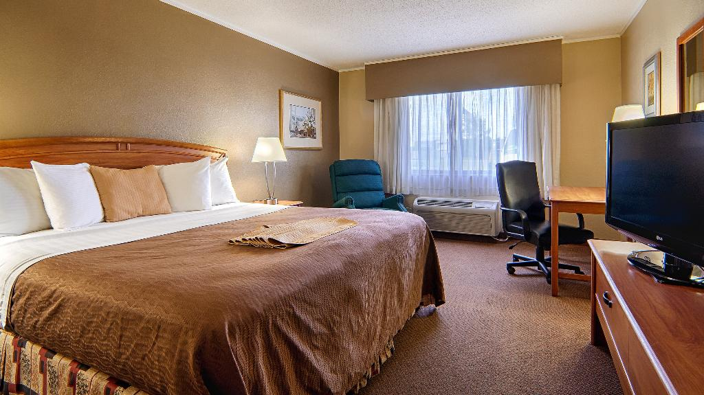 Norwood Inn & Suite Mankato