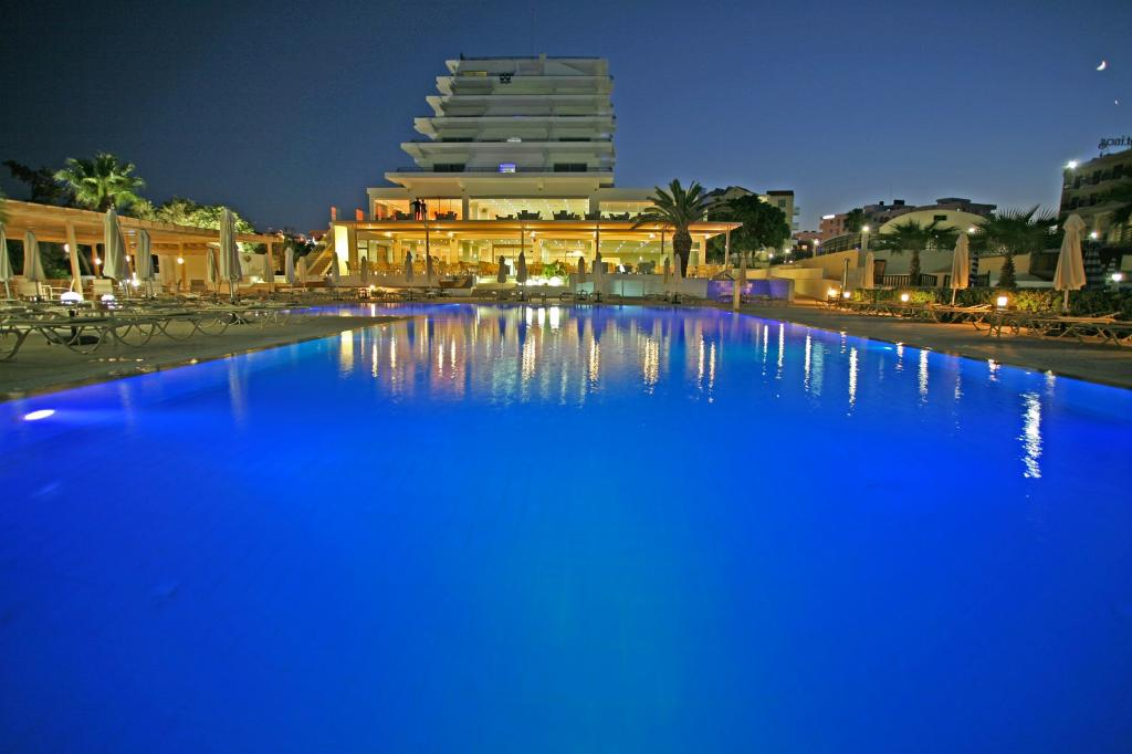 Vrissiana Beach Hotel