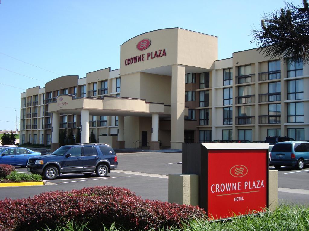 Crowne Plaza Hotel Kansas City - Overland Park