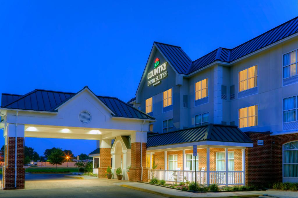Country Inn & Suites By Carlson, Petersburg