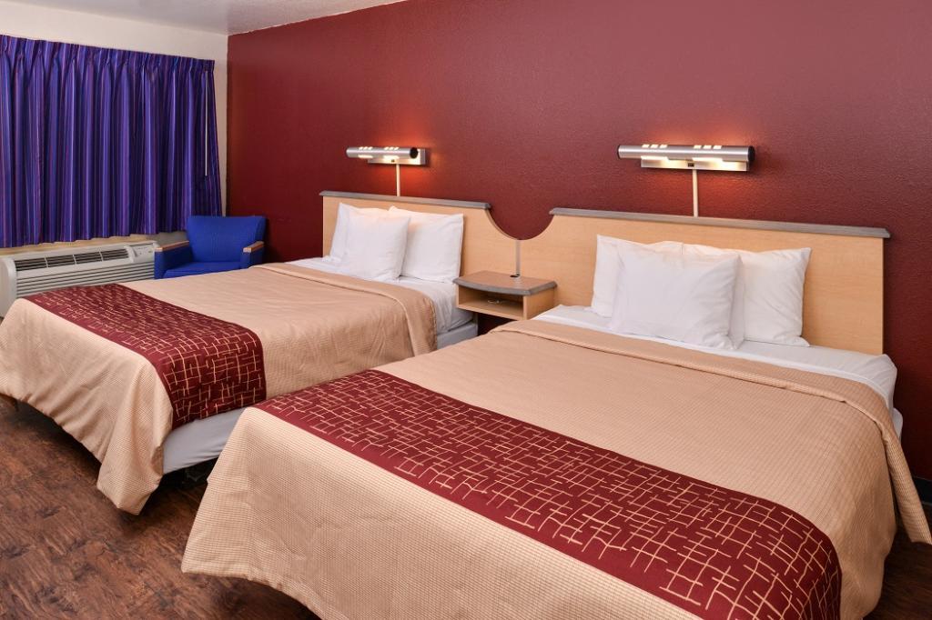 棕櫚泉-千棕櫚紅頂飯店