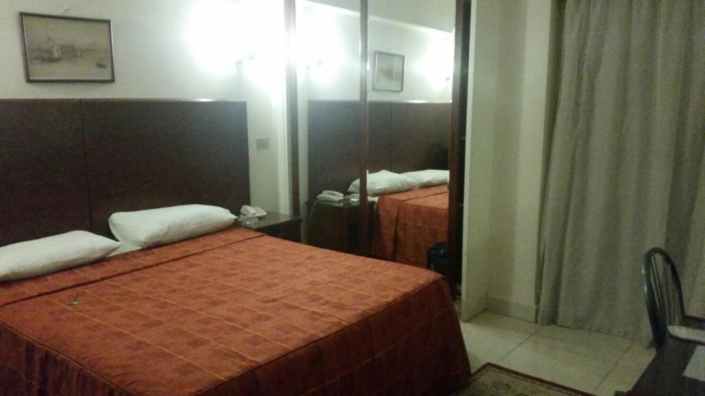 ファラオ ホテル