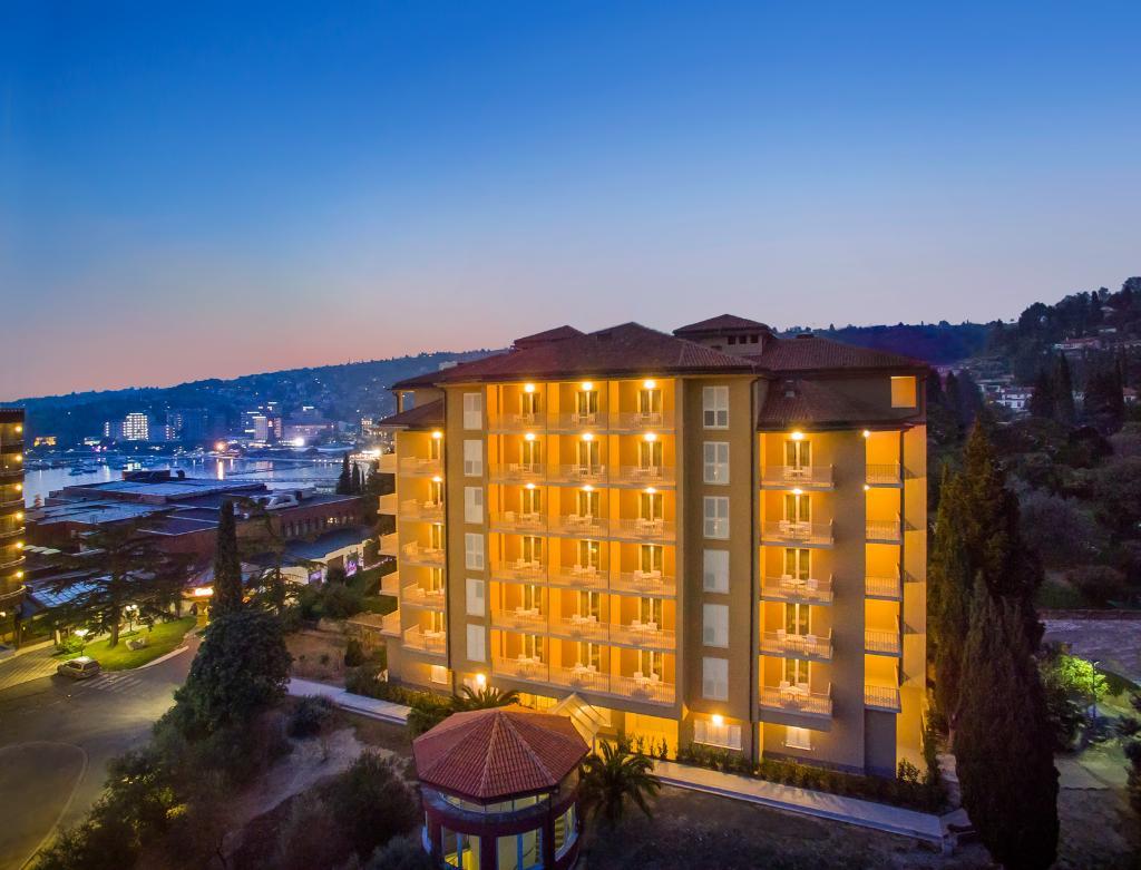 호텔 로자