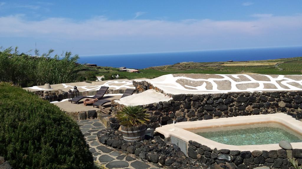 Pantelleria Le Ballute