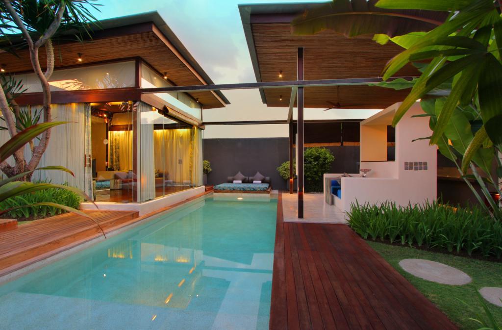 Kiss Bali