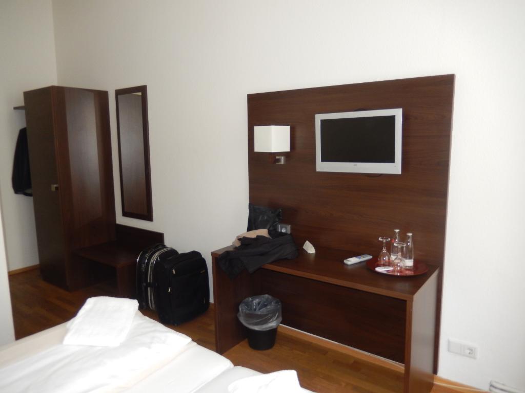Koelnisch Wasser Brauhaus-Hotel