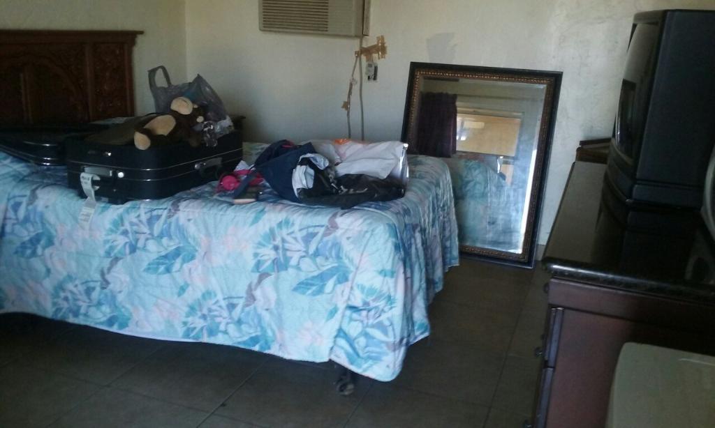 La Florecita Inn & Suites