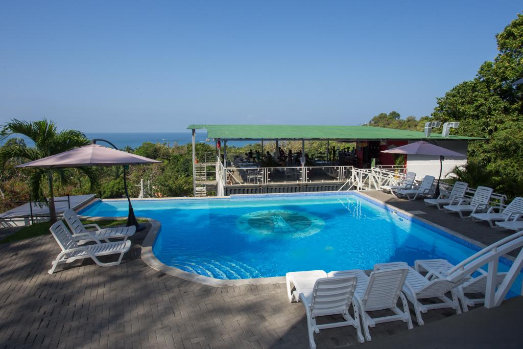 El Faro Beach Hotel