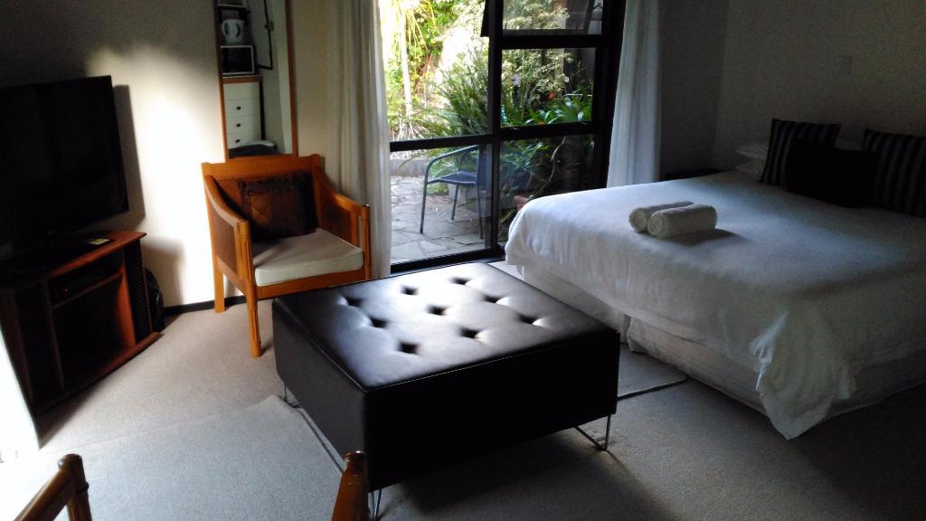 Waters Edge Bed & Breakfast