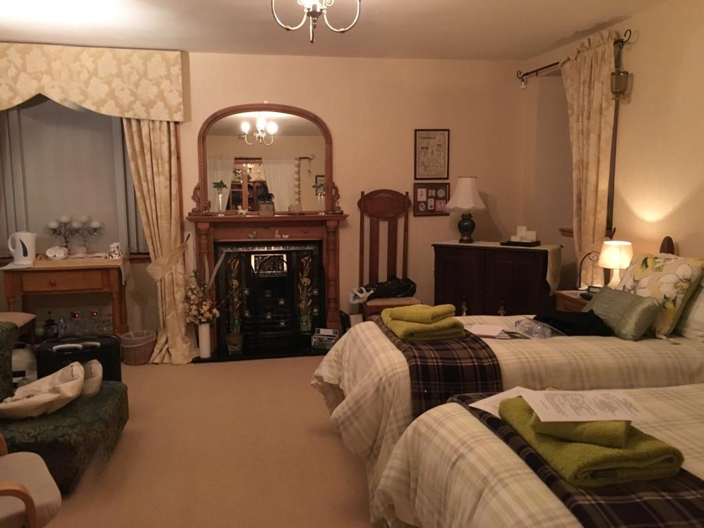 Lynnwood Cottage Bed & Breakfast Suites