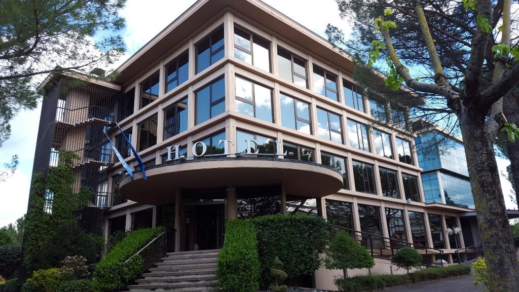 โรงแรมเจนติเล ฟาเบรียโน