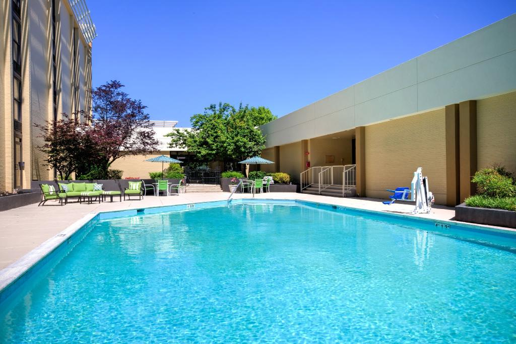 Holiday Inn Roanoke - Tanglewood