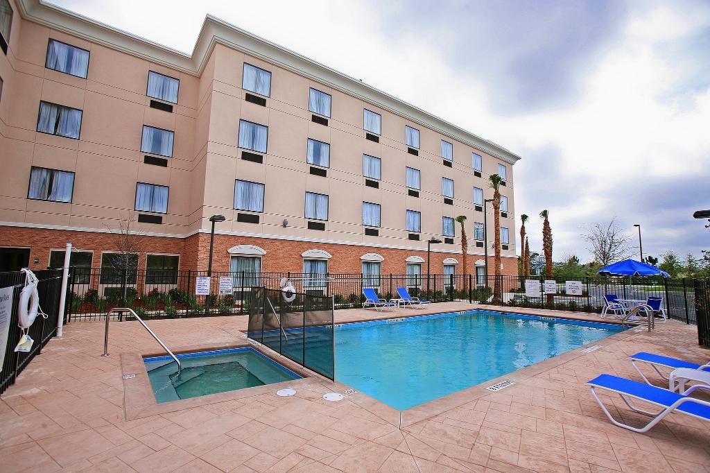 Holiday Inn Express Hotel & Suites Orlando-Ocoee East
