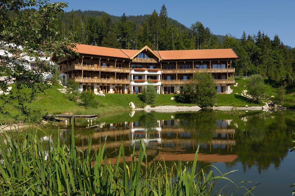 フォイリガー タツルヴルム ホテル