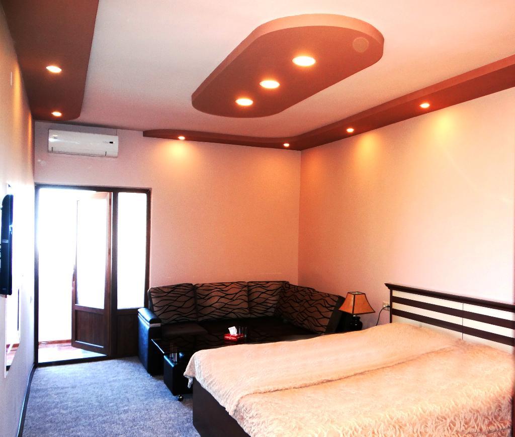 Areg Hotel