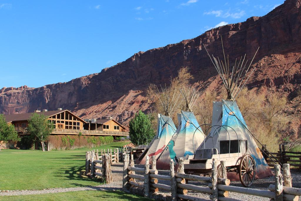 ‪Red Cliffs Lodge‬