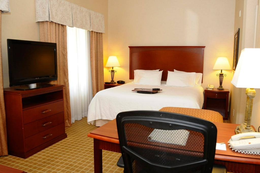 Hampton Inn & Suites Redding