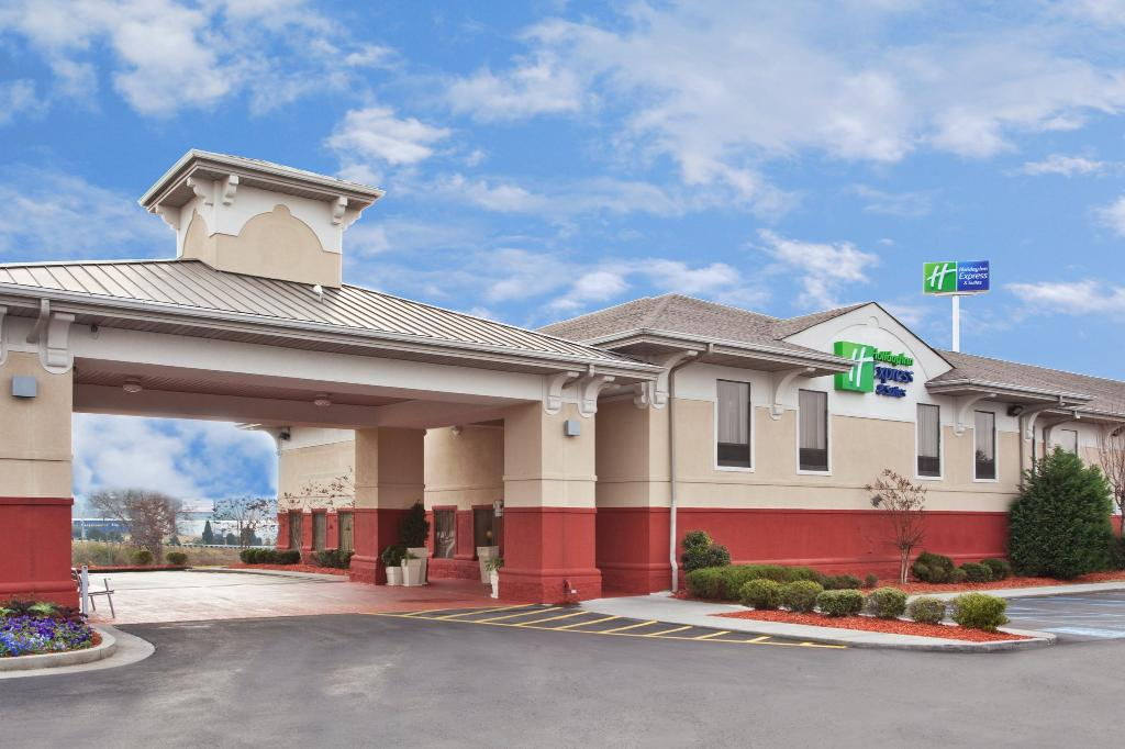Holiday Inn Express Calhoun