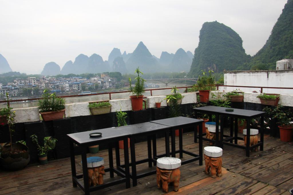 Yangshuo En Attendant Godot Hostel