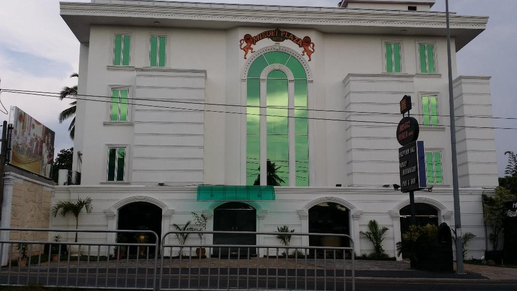 Misuki Plaza Hotel