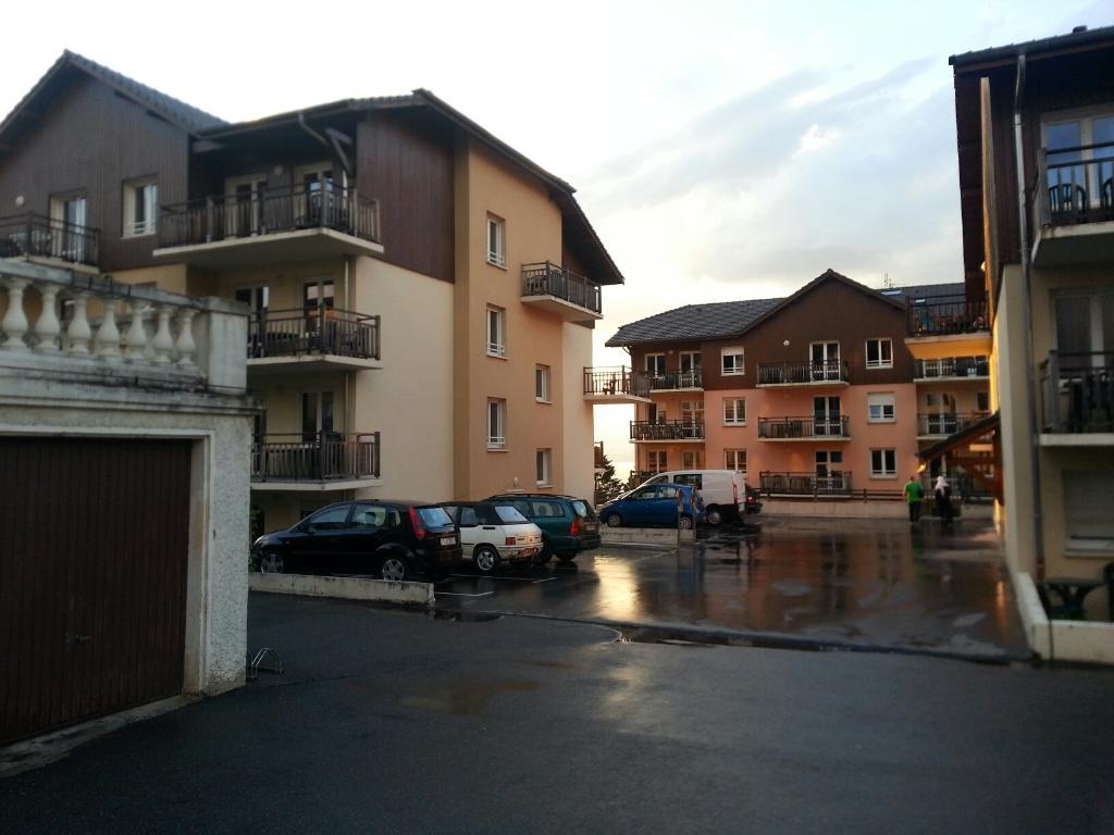 哲尼图莱斯丹娜斯拉克公寓式酒店