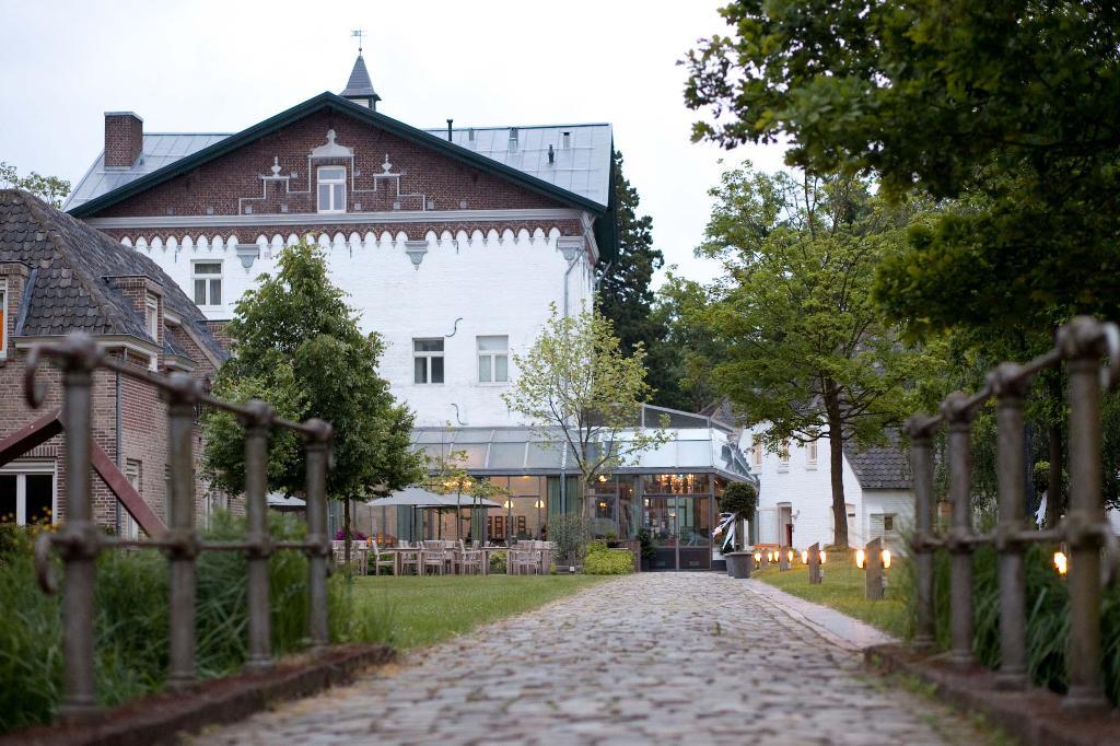 Sandton Chateau De Raay