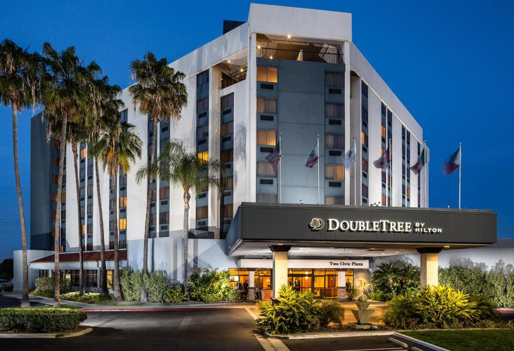 DoubleTree by Hilton Hotel Carson